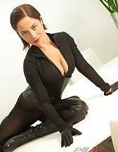 Sexy Ella Kross