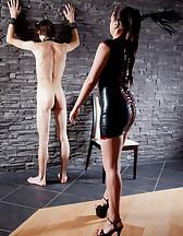 Curvy Mistress, skinny slave