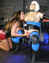 Dungeon Dolly Milking