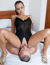 Face-fucked boy toy