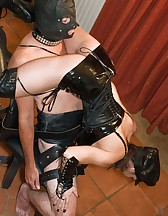 Ballbusted slave, pic #7