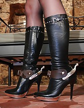 Military Domme in boots and spurs, pic #1