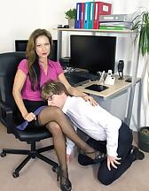 Demanding Lady Boss, pic #3