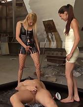 The champagne Slave, pic #6