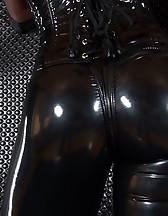 Mistress Kiana, pic #2