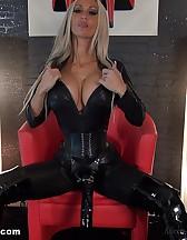Strapon slave, pic #10