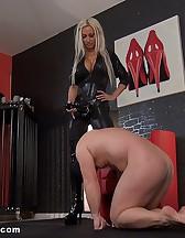 Strapon slave, pic #5