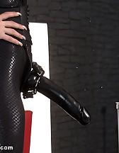 Strapon slave, pic #6