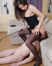 Training a pussy muncher, pic #8