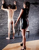 Curvy Mistress, skinny slave, pic #7