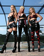 3 Goddess in latex, pic #10