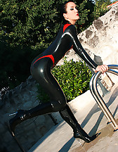Wet games in shiny black latex, pic #12